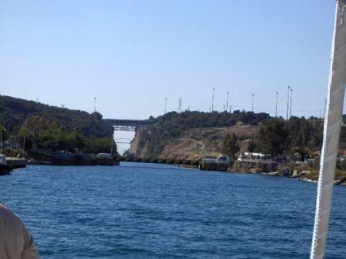 Korinth der Kanal erlaubt die schnelle Passage