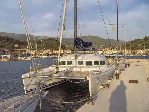 Mourthos an der Hafenmole